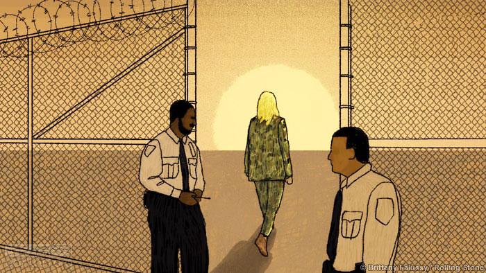 因泄密入狱的跨性别女子今天获释