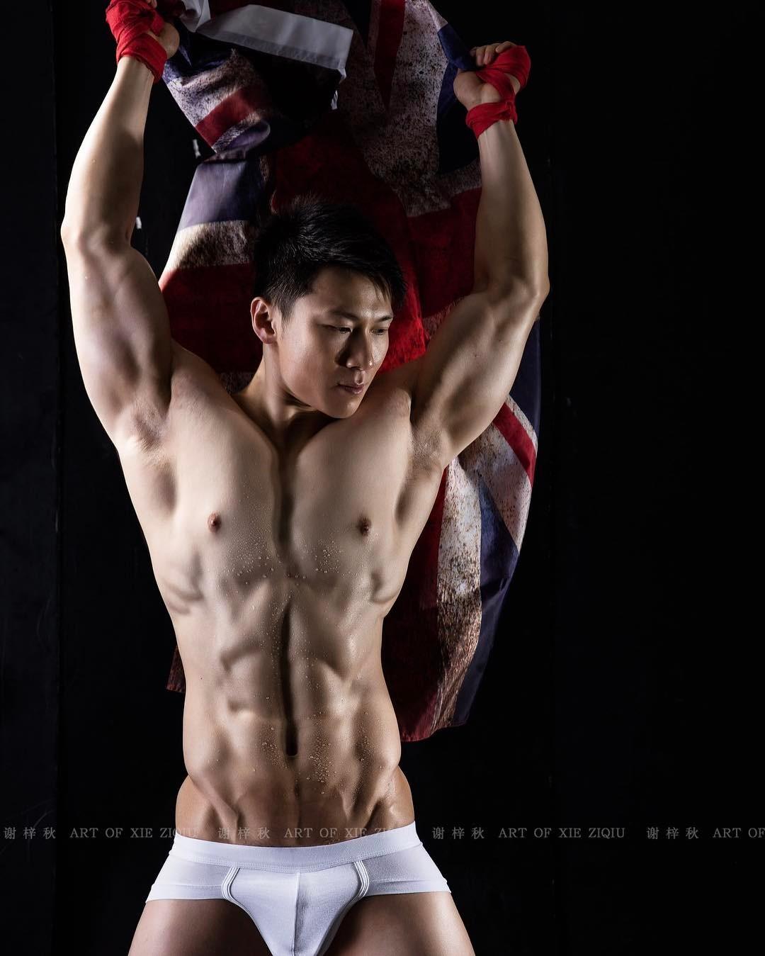 谢梓秋攝影作品之雄壮肌肉的男体诱惑