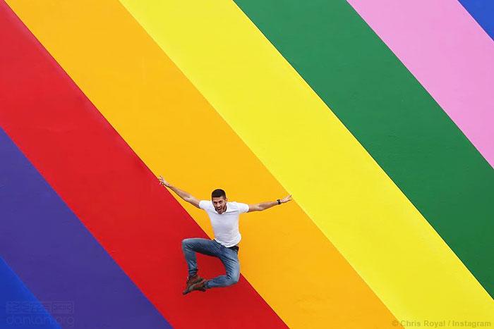 "Paul Smith""网红墙""变彩虹,庆祝同志骄傲月"