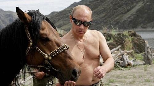外媒:硬汉普京带俄罗斯展现阳刚 同性恋遭冷遇