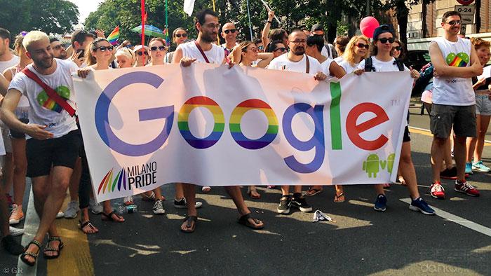 庆祝同志骄傲月,Google表格变彩虹