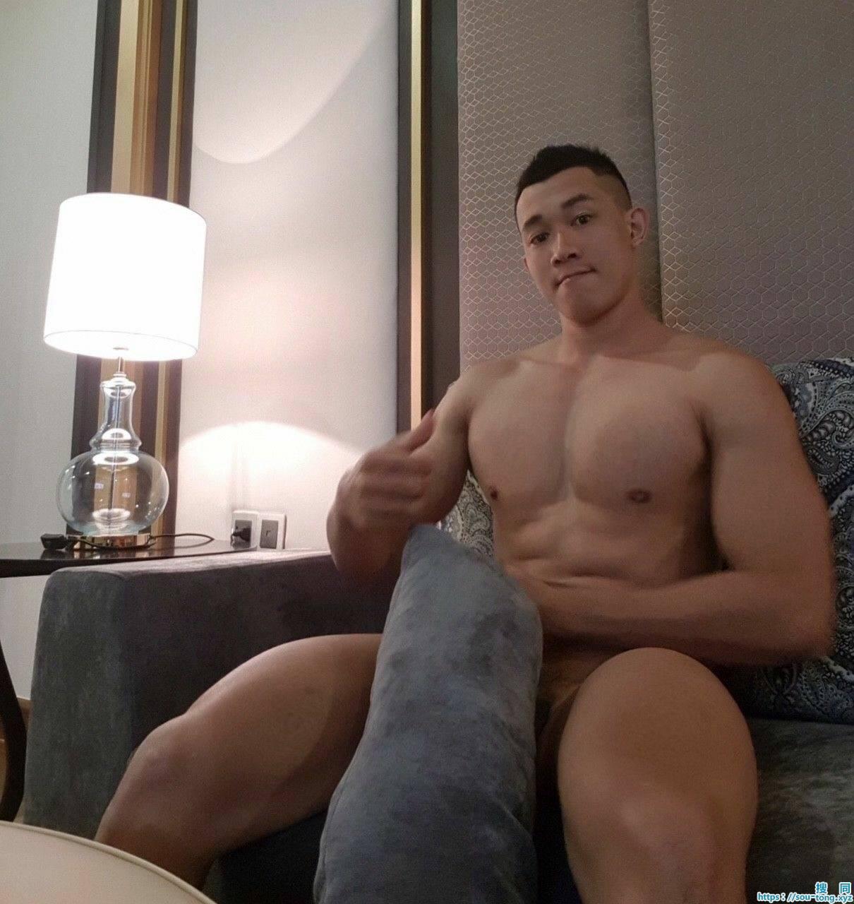 雄壮肌肉身材,无比的诱惑