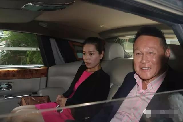 他用五亿为同性恋女儿招婿,七十多岁风流成性,香港女星为其摆布