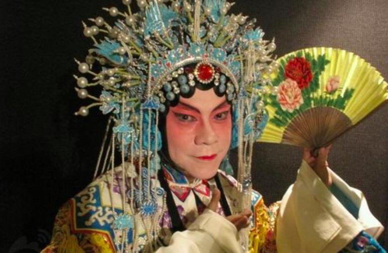 蔡康永家世显赫是富三代,罕见谈起同性爱人,交往20多年如胶似漆
