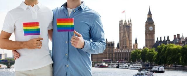 同性的性取向,很大程度上取决于小时候的家庭环境