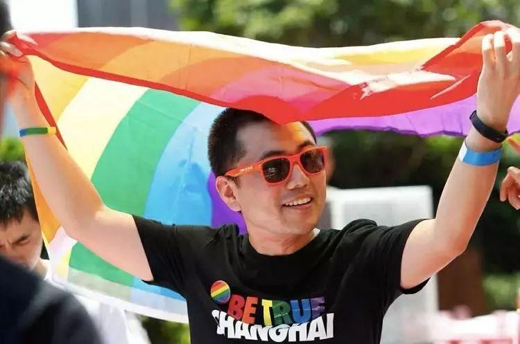 一场没打算赢的官司,和几个不想被污名化的同性恋者