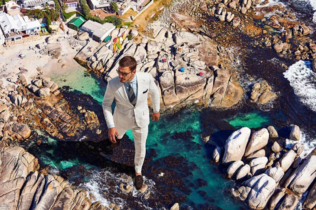 荷兰平价西装品牌Suitsupply 推出首个同性主题广告大片