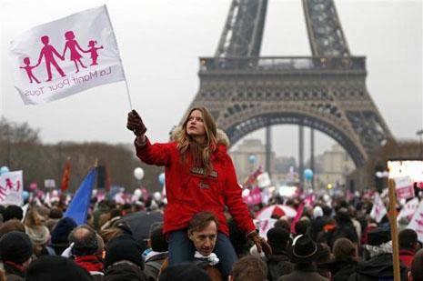 """法国同性恋婚姻合法5年,成""""同性天堂"""",专家称有利社会和谐!"""