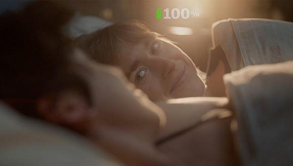 """个同性妈妈加上婴儿也能诗意睡眠?宜家的广告说可以"""""""