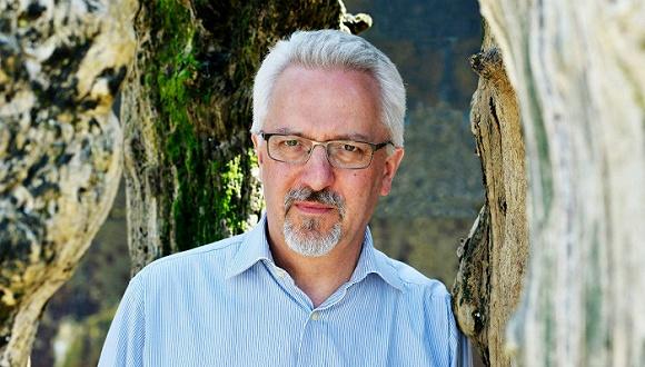 霍林赫斯特:英国同性恋文学的大师