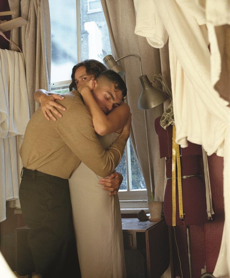 有个摄影展,描述天主教国家波兰同性恋群体的爱与欲