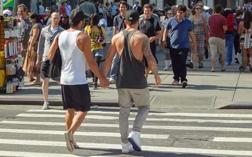 同性恋球迷被禁止观看世界杯 足坛领袖带头维权