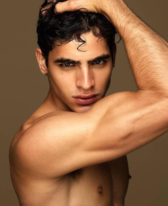 巴西男孩Jhona Burjack为Gay粉站台,超贴心的直男!