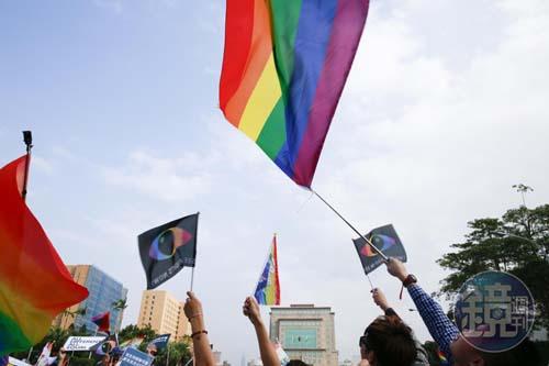 台湾:同婚纳入民法的公投连署在週末2天暴增8万人
