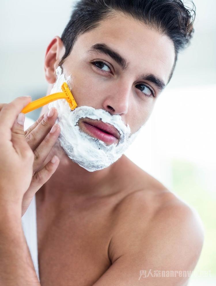 颜值不够胡子来凑!男人蓄胡子当然为了吸引他