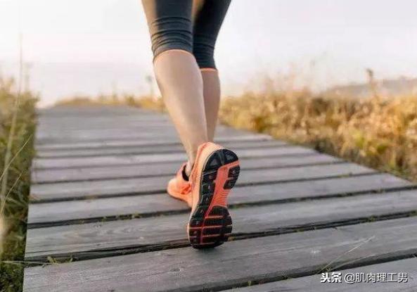 跑步很简单,但是减肥很难,4个阶段帮助你跑步减肥!