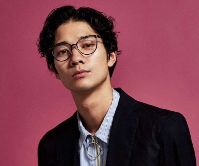 男士冬季的刘海也很帅气,看看你的脸型适合哪种!