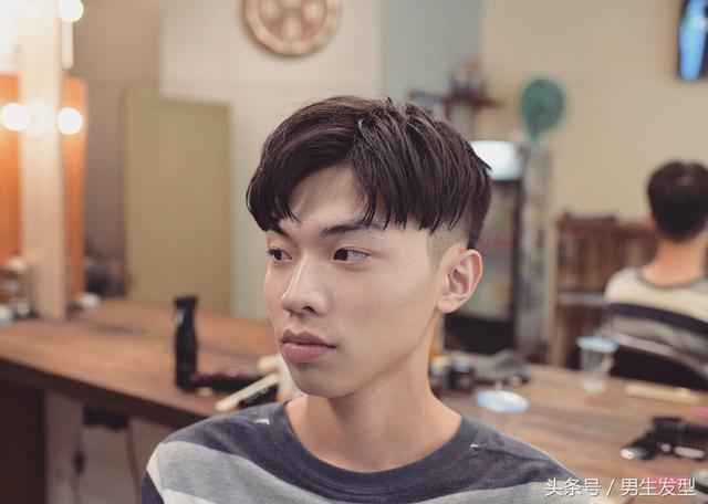 """男生""""两边铲""""的发型叫什么?清爽又帅气!"""