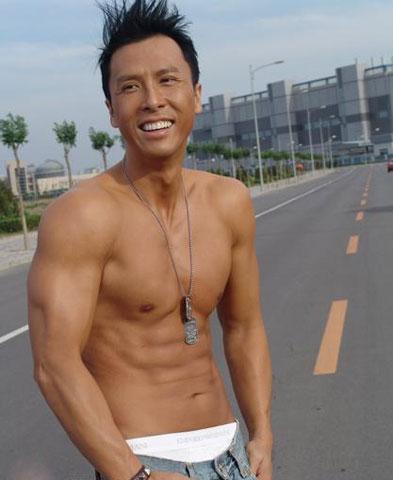 甄子丹肌肉图片,甄子丹肌肉训练照片