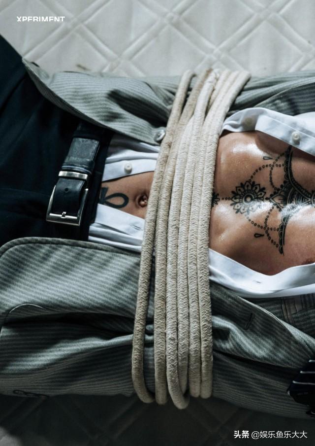 被绑架的肌肉美男,是忍受凌辱?还是?