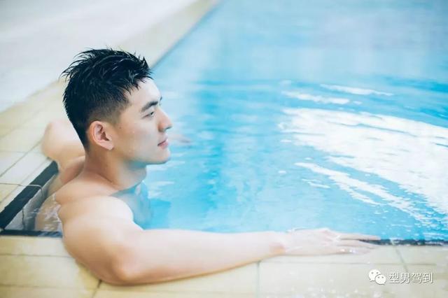 颜值不输宁泽涛,这样的游泳男神请给我来一打~