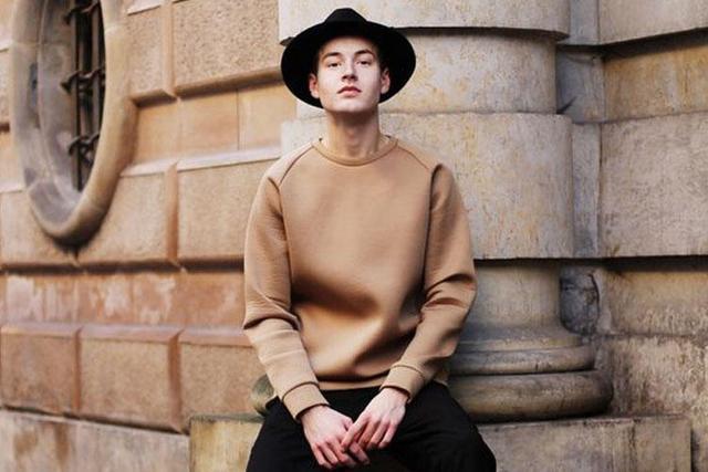 基础卫衣挑花眼,圆领和连帽到底有什么区别?