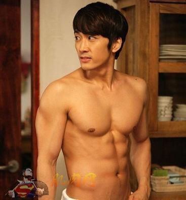 韩国男星银幕露出腹肌的原则