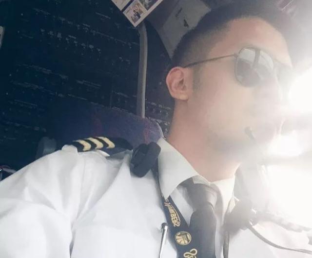 185CM飞行员男人味十足,帅气照片常被盗用