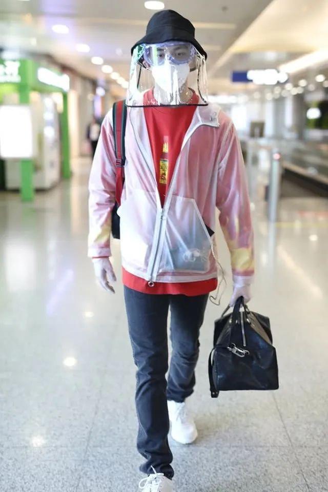 吴磊帅气复工造型,装备齐全,连防护面罩都用上了